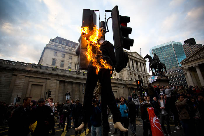 g20-london-burning-effigy-2.jpg